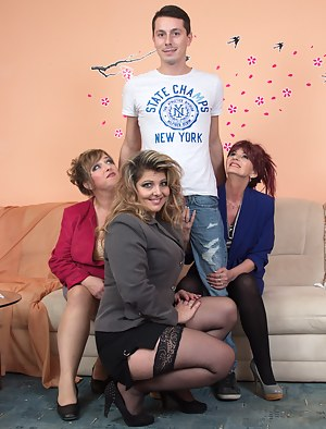 Hot Mature Foursome Porn Pictures
