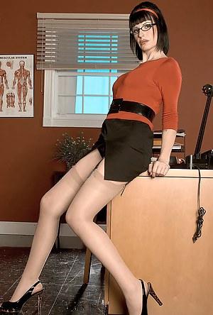 Hot Mature Teacher Porn Pictures
