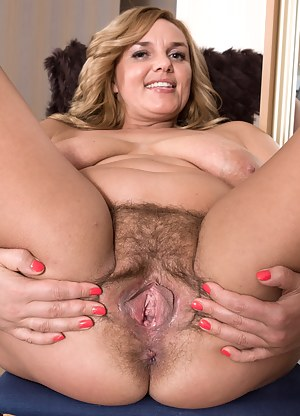 Hot Mature Hairy Pussy Porn Pictures