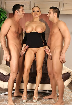 Hot Mature Threesome Porn Pictures