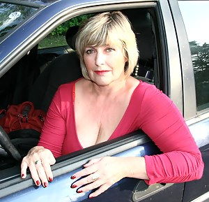 Hot Mature Car Porn Pictures