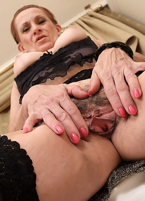 Hot Mature Beaver Porn Pictures