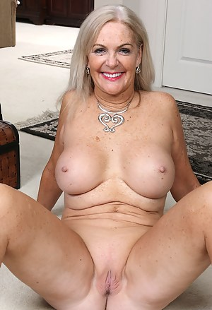 Hot Mature Shaved Pussy Porn Pictures