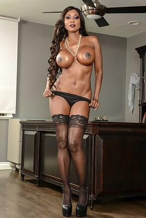 Hot Black Mature Big Tits Porn Pictures