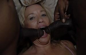 Hot Mature Interracial Porn Pictures