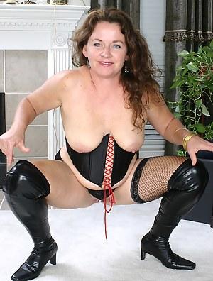 Hot Mature Corset Porn Pictures