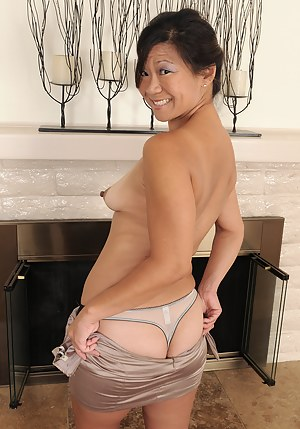 Hot Asian Mature Porn Pictures