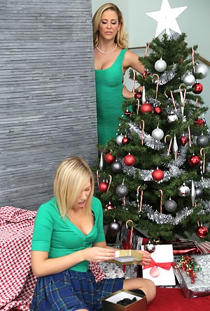 Hot Mature Christmas Porn Pictures