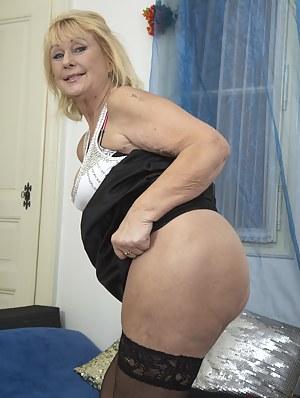 Hot Mature Ass Porn Pictures