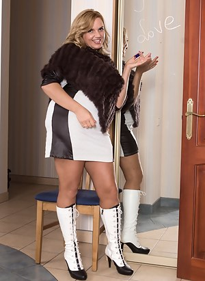 Hot Mature Boots Porn Pictures