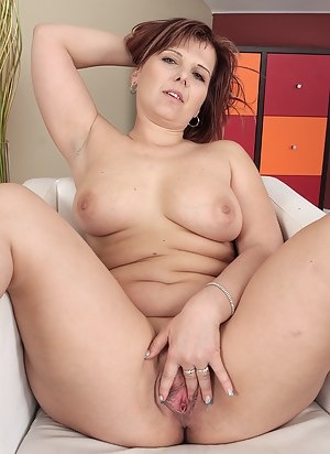 Hot Chubby Mature Porn Pictures