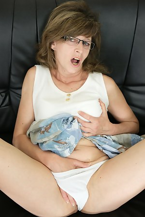 Hot Mature Masturbation Porn Pictures