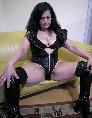 Hot Mature Leather Porn Pictures
