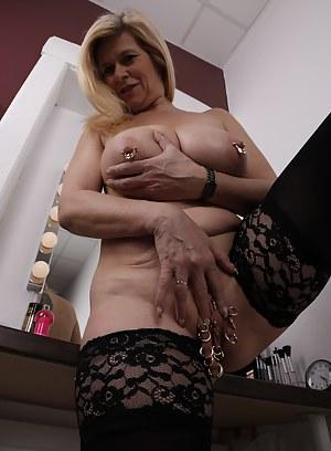 Hot Mature Bizarre Porn Pictures