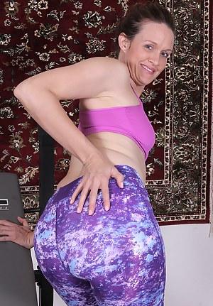 Hot Mature Spandex Porn Pictures