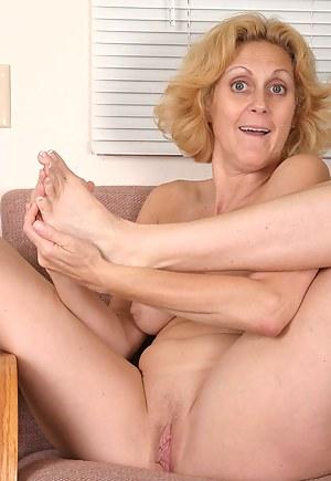 Hot Mature Foot Fetish Porn Pictures