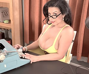 Hot Mature Secretary Porn Pictures