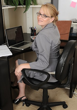Hot Mature Boss Porn Pictures