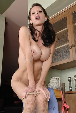 Hot Mature Undressing Porn Pictures